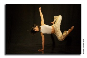 The dancer income, photo by Elazar Harel, 286