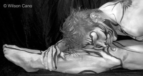 Wilson Cano´s body painting on Cleyton