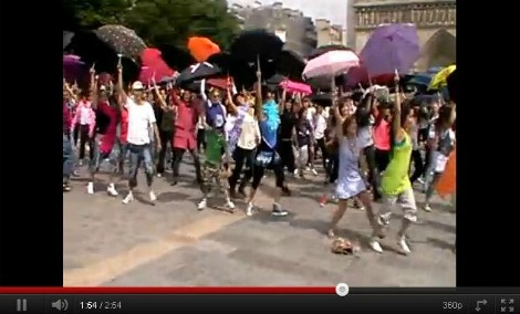 Flash Mob at Notre Dame the Paris, The era of Flash Mobs