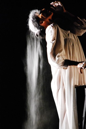Dance Pictures: Nejla Yatkin's Echoes of Hope